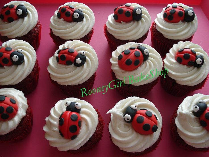 LadyBug Cupcakes - by rooneygirl @ CakesDecor.com - cake decorating website