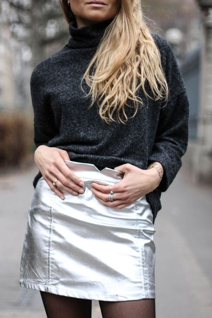 Jupe argentée / DECEMBER 2016 / www.marieandmood.com / Silver skirt / French blogger / Style