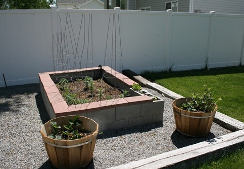 Building Raised Garden Beds From Cinderblocks