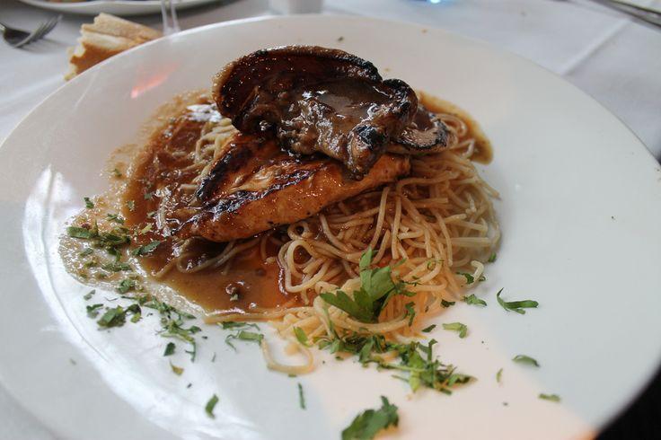 Tres carnes braseadas con fideos thai, de 'Bazaar' (Madrid-Spain)