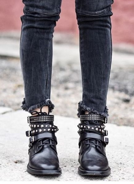 Rock 'n' Roll Style ? @sixfeetwithheels #SaintLaurent (Fashion Edgy Chic)