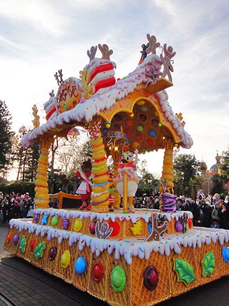 New Years Day at Disneyland Paris. Treats including this sweet gingerbread house float - complete with Daisy Duck!