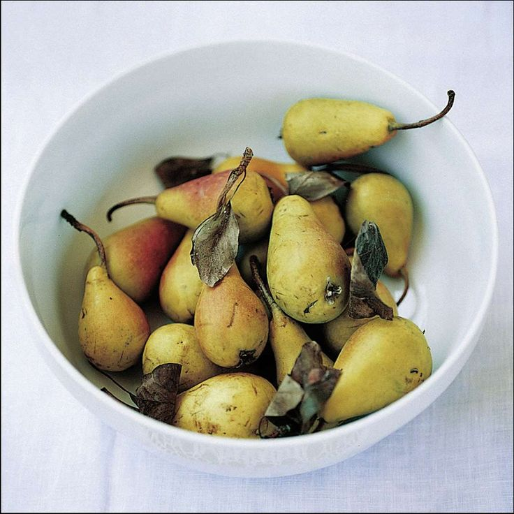 Williams pears in red wine sauce by Antonio Carluccio | Cooked