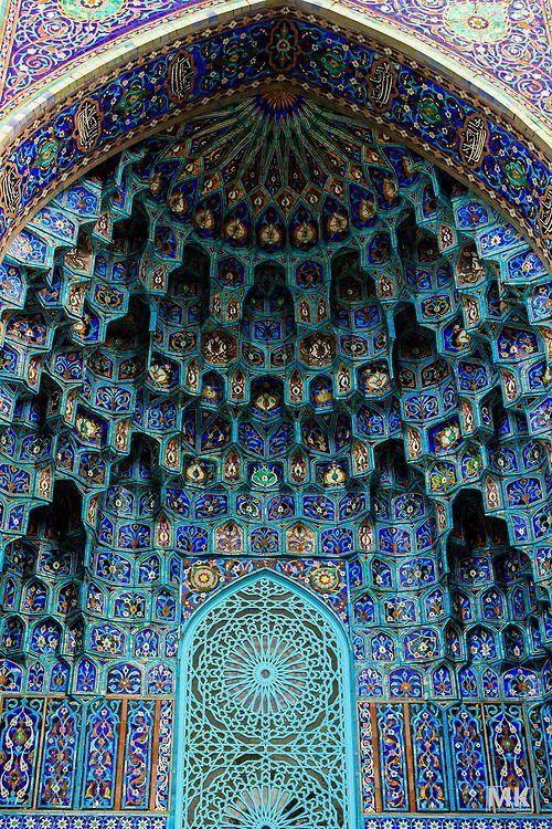 door oh beautiful door - mosaic art of Islamic Mosques - maGnificant:
