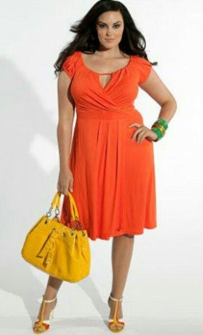 Naranja con un escote pequeño sexy
