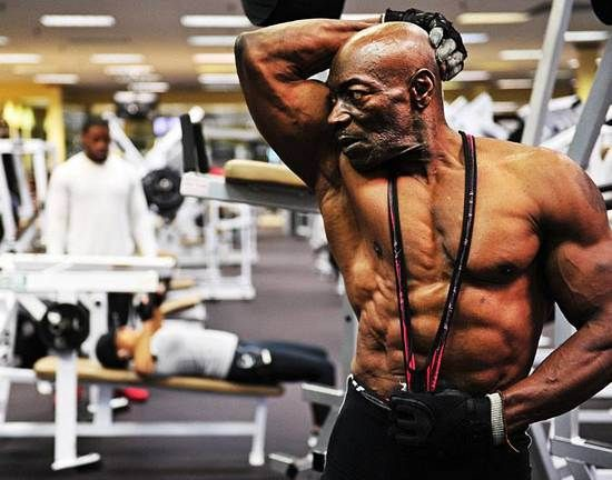 """70 Year Old Bodybuilder Sam """"Sonny"""" Bryant – Jacked And Ripped"""