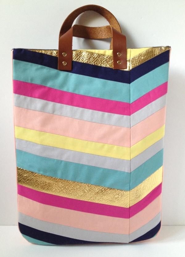 Art-Inspired Chevron Tote Bag #Sewing #Tutorial | Kollabora Alt Summit Challenge via Fabric Paper Glue