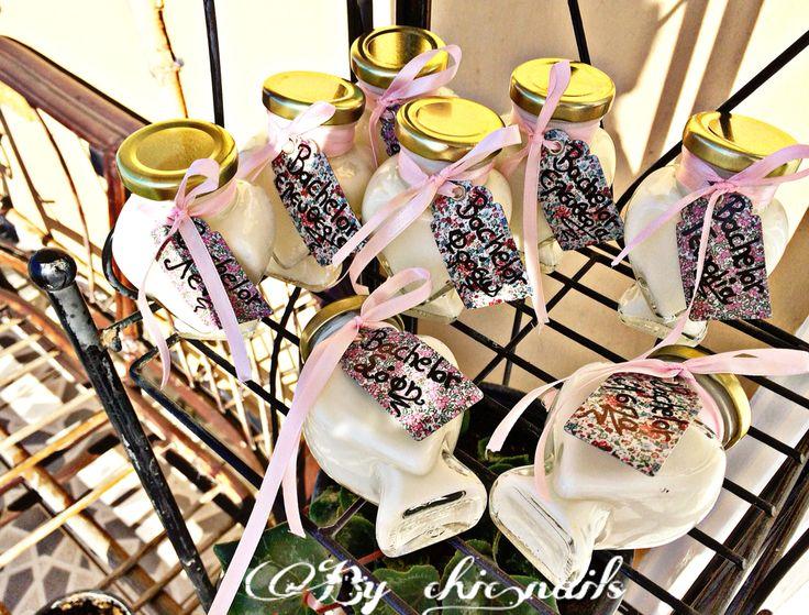 Κρεμουλες μπισκοτο για την Ασπα και τις φίλες της για το Bachelor της!Με το καλο!!👨❤️💋👨👰🏼 #homemade #creme #biscuit #gift #bachelor