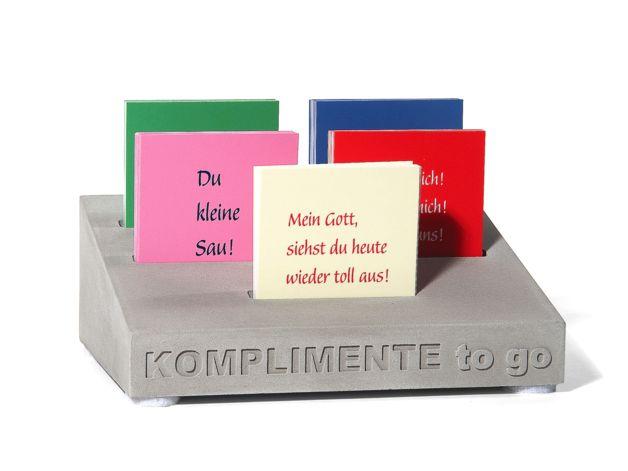 """Liebeserklärungen mal anders: """"Komplimente to go!"""" - 5 verschiedene Lobkärtchen und Liebeserklärungen, je 25 Stück: - Du bist mein Lieblingsmensch! - Du kleine Sau! - Mein Gott, siehst Du heute..."""