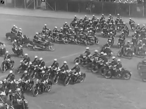 atraksi darat plus motor tentara atraksi hebat...ngudang kagumm...melebihi para rider