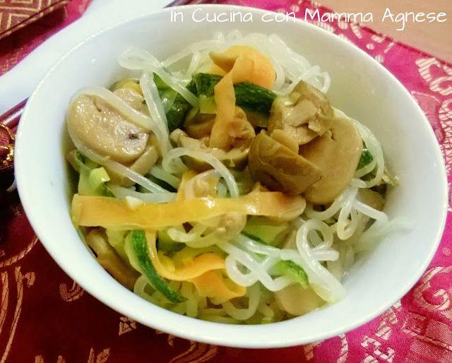 In Cucina con Mamma Agnese: Spaghetti di Konjac con verdure saltate ed Olive a...