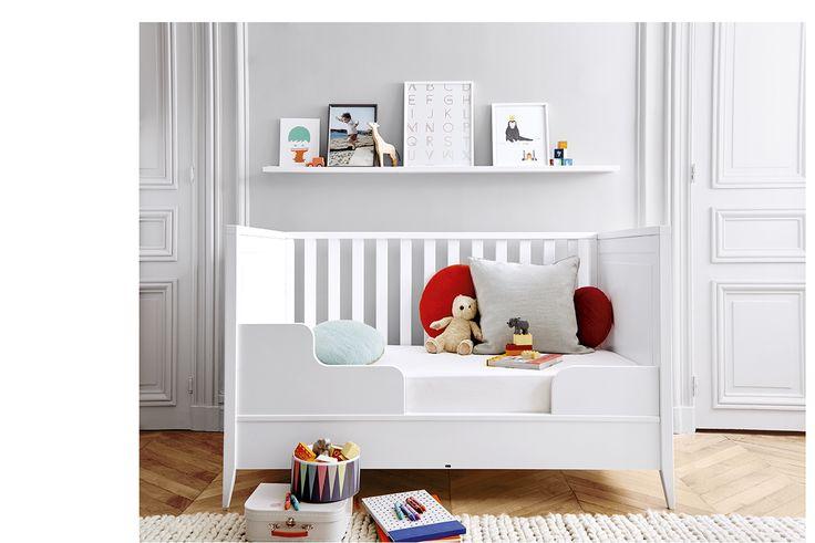 Version jeune enfant : Lit bébé modulable Jacadi de la naissance à 6 ans ...  Le lit s'adapte à l'âge de votre enfant...  #jacadi #litbébé #litmodulable