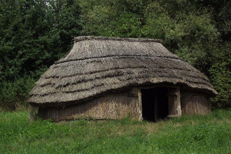 Kunyhó - ősi , magyar népi építészet - Ócsa / Ancient Hungarian architecture