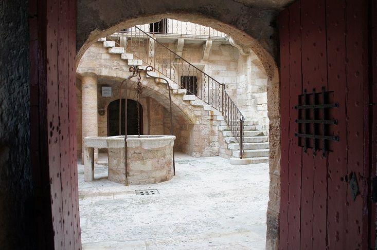 モンテ・クリスト伯、エドモン・ダンテスが収監された牢獄の舞台。イフ島Château d'If シャトー・ディフ