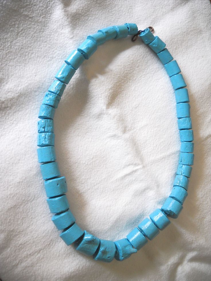 Turquoise painted driftwood necklace - Elisabetta