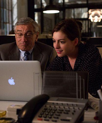 Anne Hathaway Robert De Niro Movie: Anne Hathaway Is A Total #Girlboss In This Exclusive Clip