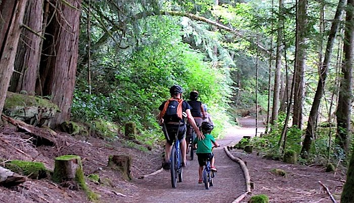Before you head out on a family cycling adventure, make sure you have the right kit! http://roa.rs/19MWm44 #FamilyFun #Cycling
