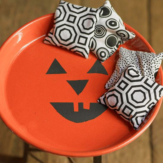Make your own beanbags in a snap with our easy instructions: http://www.bhg.com/halloween/parties/halloween-party-games/?socsrc=bhgpin083014beanbagdetails&page=6