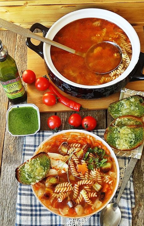 ИТАЛЬЯНСКИЙ СУП - МИНЕСТРОНЕ   Один из вариантов знаменитого итальянского супа - попробуйте!   http://www.koolinar.ru/recipe/view/123177