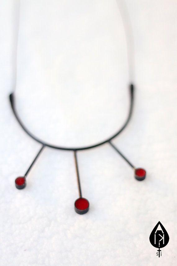 Three Circles // Minimal Dark Necklace // by ALKISTIjewelry