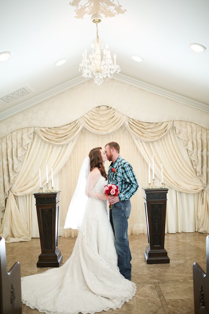Classic And Traditional Las Vegas Wedding Chapel That Is Not Cheesy Elegant Victorian