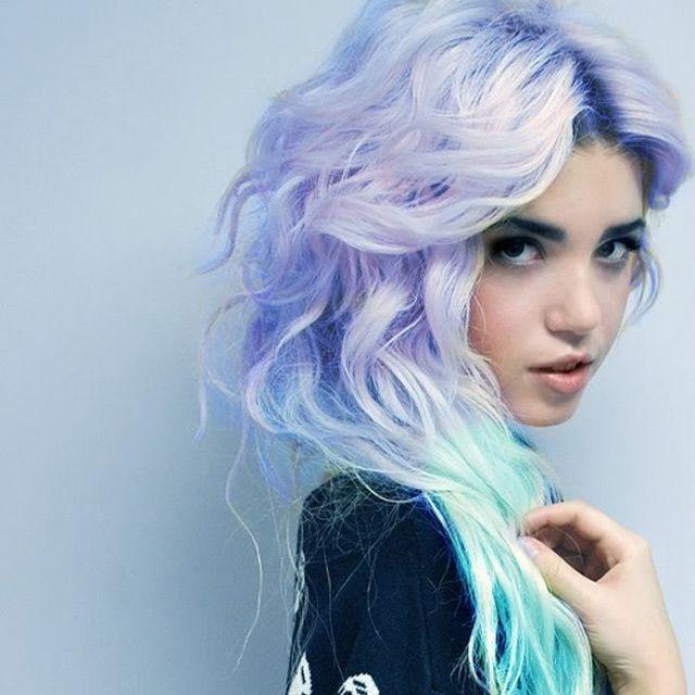 Cheveux Colorés Bleus