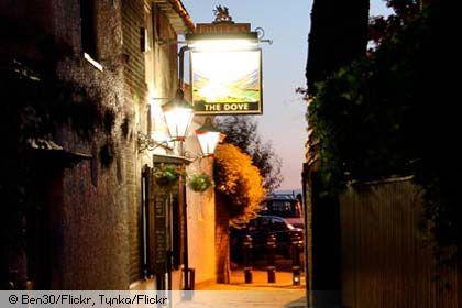 Historic London riverside pubs