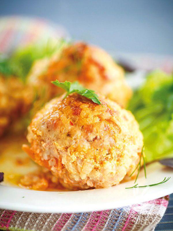 Hake meatballs, shrimp and rice - Le Polpettine di nasello, gamberetti e riso, impreziosite da aromi e formaggio, sono un ottimo finger food, dal tocco originale. #polpettedinasello