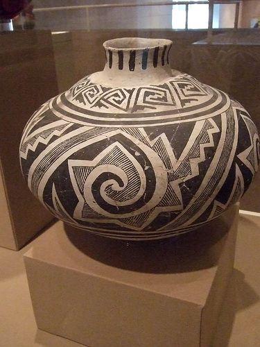 Mummy effigy Anasazi culture Cibola Branch 1250-1300 CE Ceramic Cibola White Ware Roosevelt Black-on-white type Arizona United States.