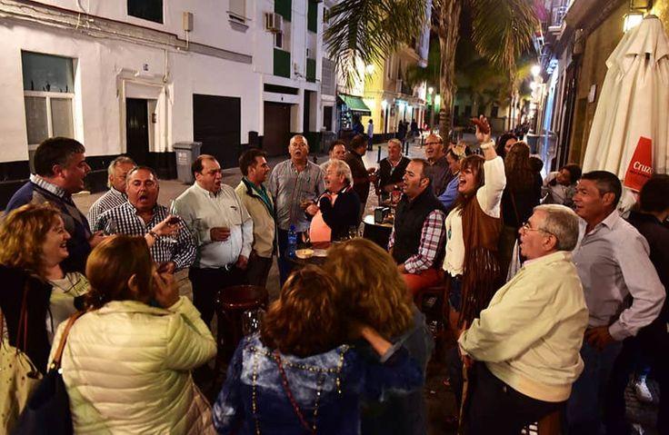 Casa Manteca: kvarterskrog där   lokalborna festar på tapas och öl, i Andalusien.