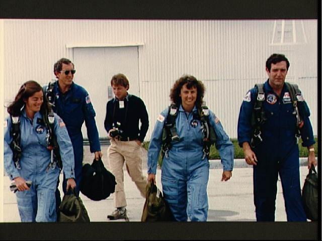 space shuttle challenger barbara morgan - photo #14