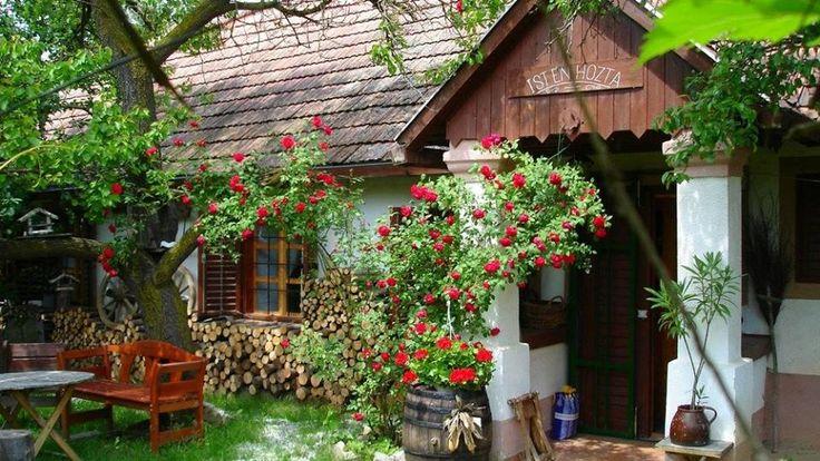 Batyki szépség! (Forrás: www.magyarcimerek.hu, www.paraszthazazorok.hu