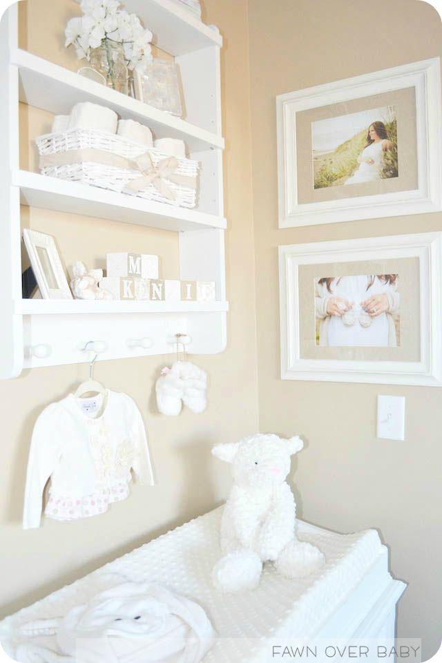 Decoración para el área de cambiar pañales en el cuarto del bebé.