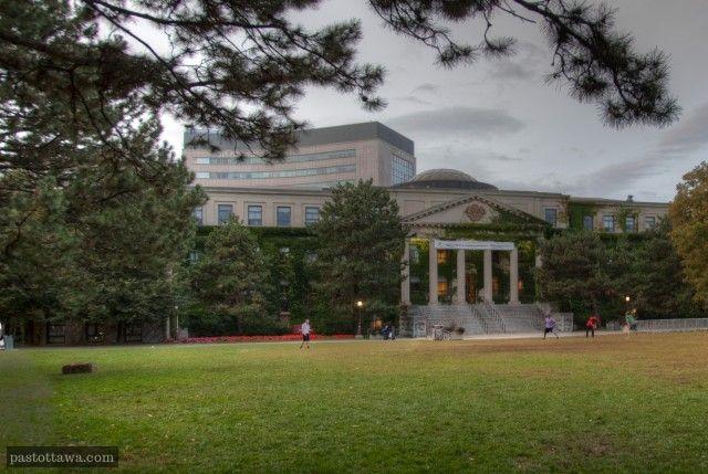 Tabaret Hall of University of Ottawa in 2013