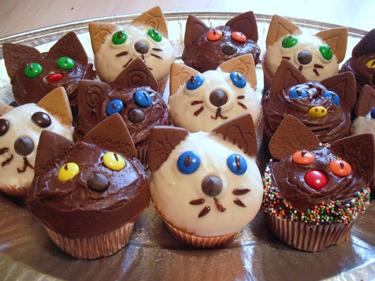 Kitten Cakes by DeliciousMadness.deviantart.com on @deviantART
