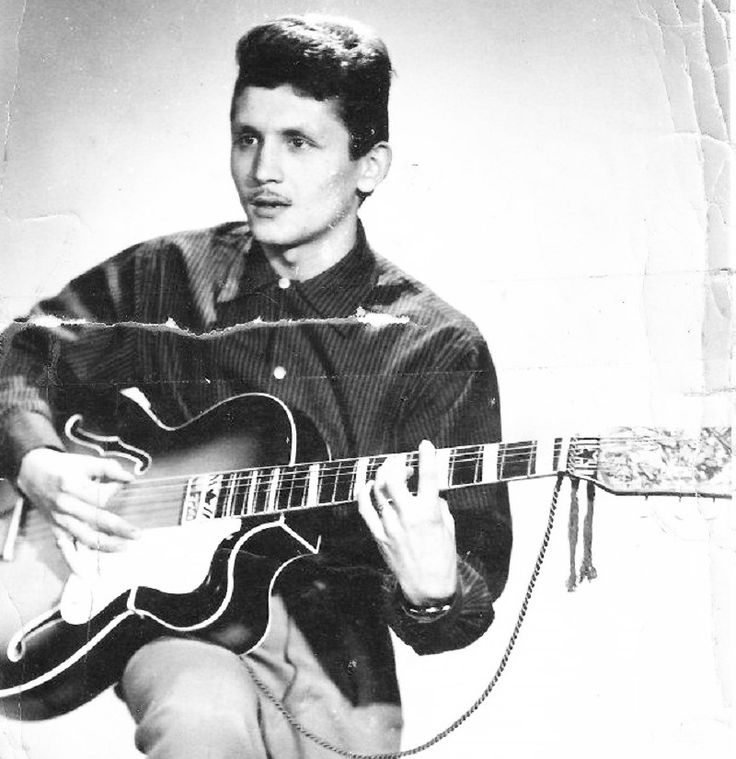 Milan-Hilmar-Czechoslovak-Guitar-Tramp-Music-Rock-and-Roll-Guitar