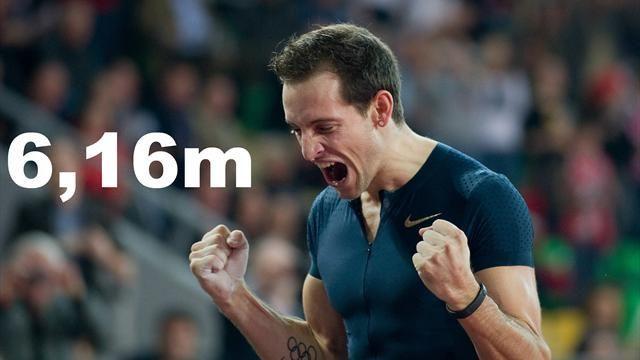Renuad Lavillenie   Saut à la perche: Renaud Lavillenie bat le record du monde de  inomhus.
