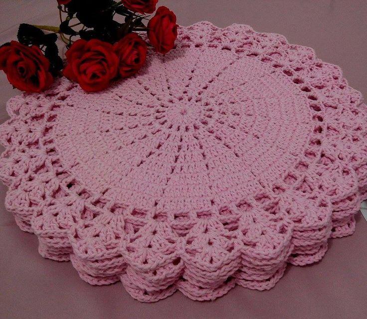 Sousplast de Crochê  feito a mão ...jogo rosa bebê  barbante de ótima qualidade  35 cm