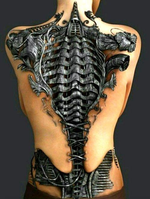 Devenir un cyborg extraterrestre avec un tatouage biomécanique  Art Corporel