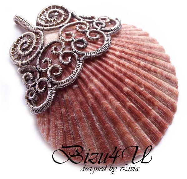 Bend fillagree around shell, or make polymer fillagre to to fit. Great! WISIOR 'SCHOLASTICA' by bizuteria-bizu4u.deviantart.com on @deviantART