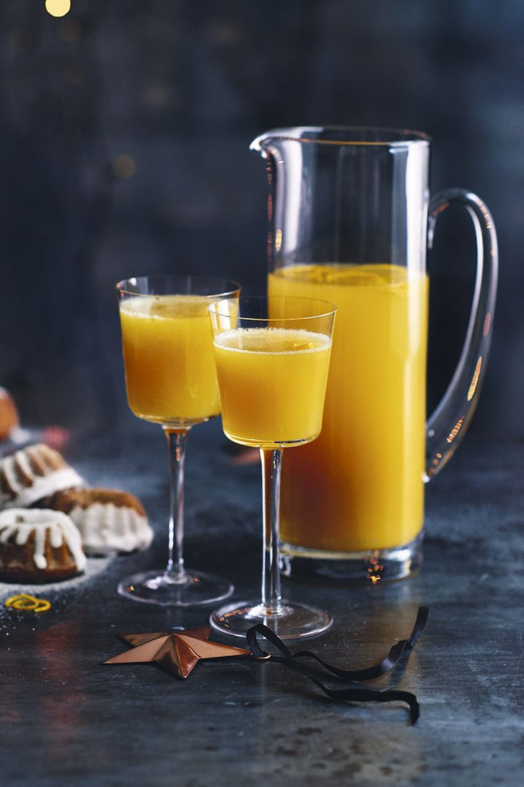 There's nothing like a quick cocktail to bring some sparkle to your festive celebrations. Amaretto Fizz is easy to prepare and perfect for serving when all the family arrive on New Year's Eve.