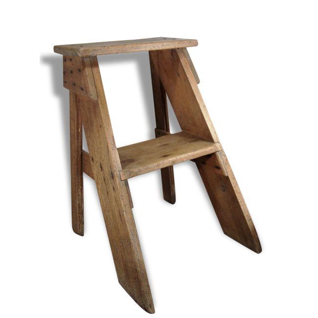 Ancien marche pied en bois