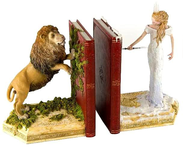 THE CHRONICLES OF NARNIA Bookends | Geek Decor