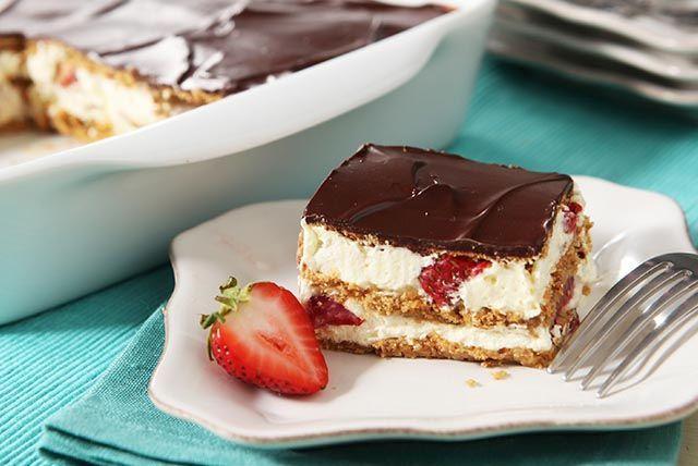 Strawberry Éclair Dessert