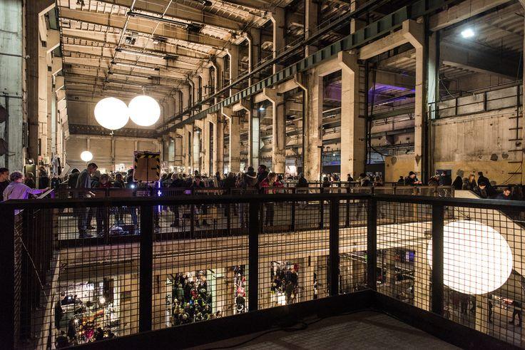 In Berlins größtem Pop-Up-Designkaufhaus Weihnachtsgeschenke für den urbanen Gabentisch shoppen Eine Idee, vier Städte, hunderte junge Designer mit handverlesenen Produkten und ein buntes Publikum - das ist HOLY SHIT SHOPPING!  Nicht zu vergessen - Zack, der Grill ist auch da! ;)