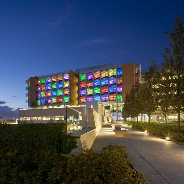Built by Stanley Beaman & Sears in Orlando, United States with date 2012. Images by Jonathan Hillyer. Nemours Children's Hospital, situated in the Lake Nona Medical City mixed-use development in Orlando, Florida, has se...