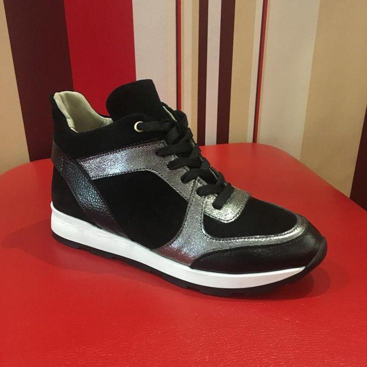 Высокие стильные кроссовки натуральная кожа 36-40 р. за 1295 грн.