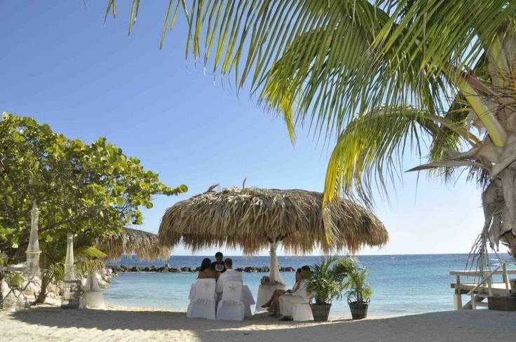 Romantische strand ceremonie Avida hotel Curacao