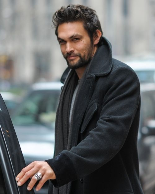 Smoulder alert! Casual disney reference there...but IMAGINE if they made disney princes look like Jason Momoa?!?!