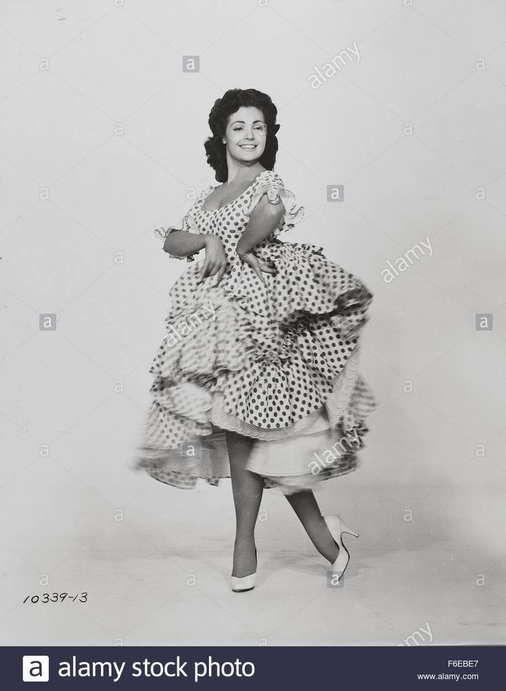 Download this stock image: 1958; Spanish Affair. Original Film Title: Spanish Affair, PICTURED: CARMEN SEVILLA, Director: Don Siegel, IN CAST: Carmen Sevilla, Richard Kiley - F6EBE7 from Alamy's library of millions of high resolution stock photos, illustrations and vectors.